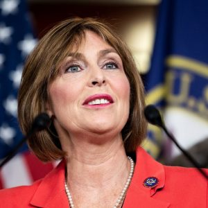 Kathy Castor Refutes Argument That Clean Energy Is More Expensive